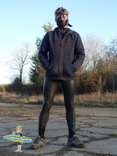 Wetsuit + Fetters Padded Leather Muzzle