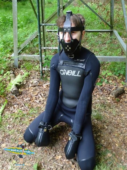 Wetsuit + bondage