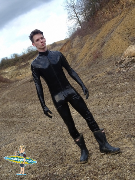 Nick in rubber